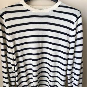 Black and White striped fine-knit sweater